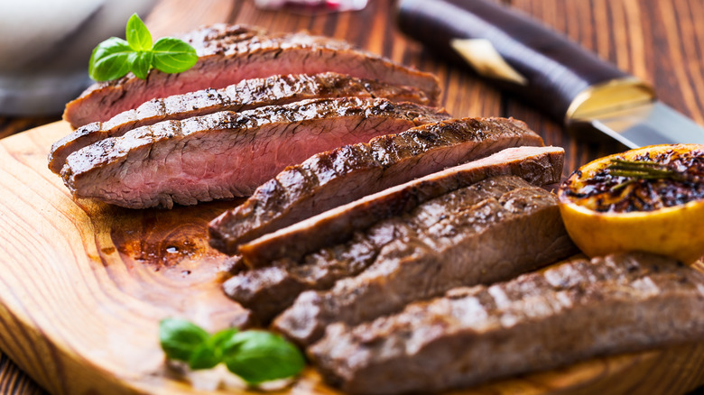Flank steak with basil and lemon
