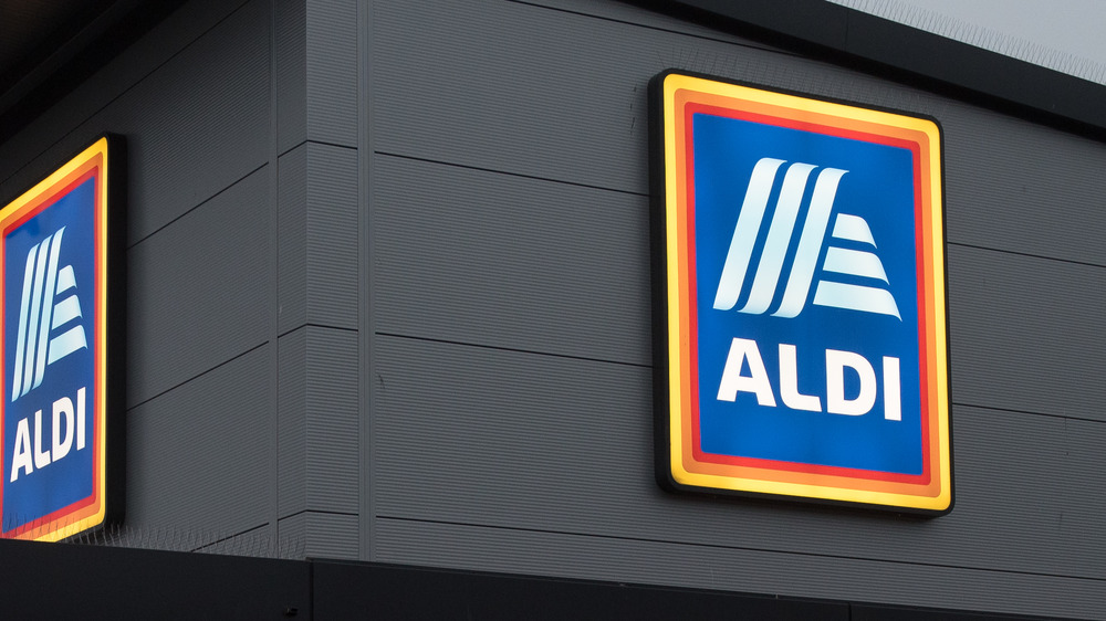 Aldi supermarket signs