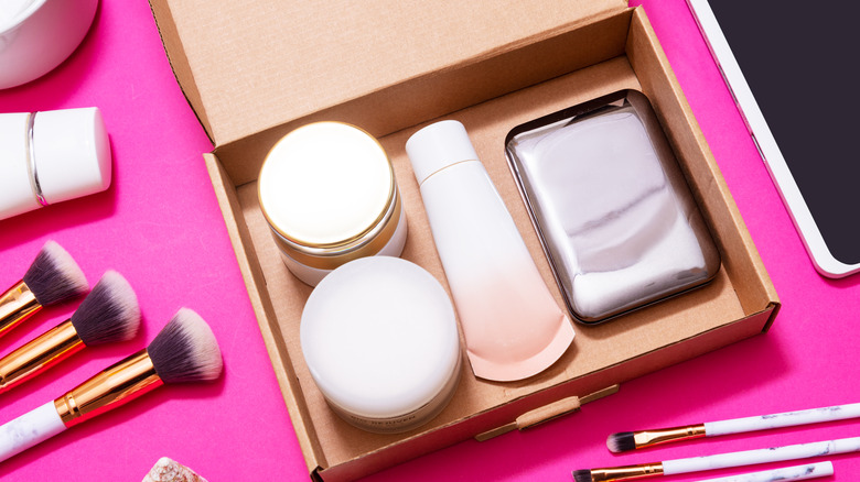 Makeup subscription box with beauty products