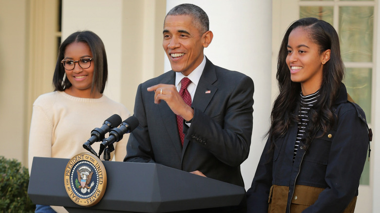 Barack Obama with Sasha and Malia Obama