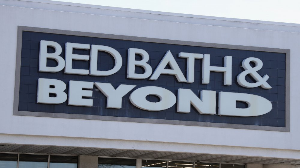 Bed Bath and Beyond exterior