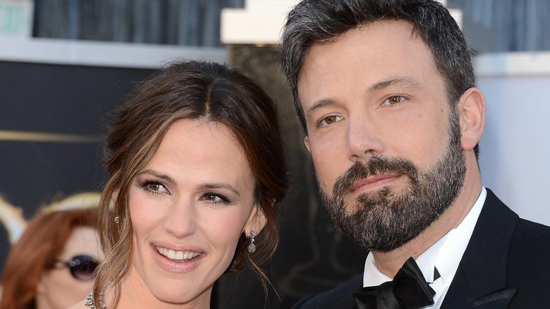 Jennifer Garner smiles alongside Ben Affleck at an awards show.