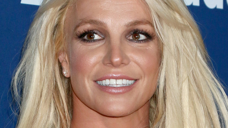 Britney Spears smiling on the red carpet 2018