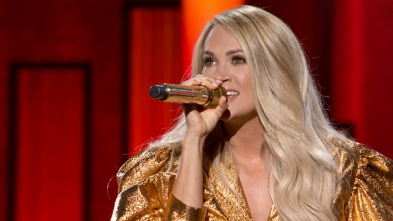 Carrie Underwood sings at ACMs