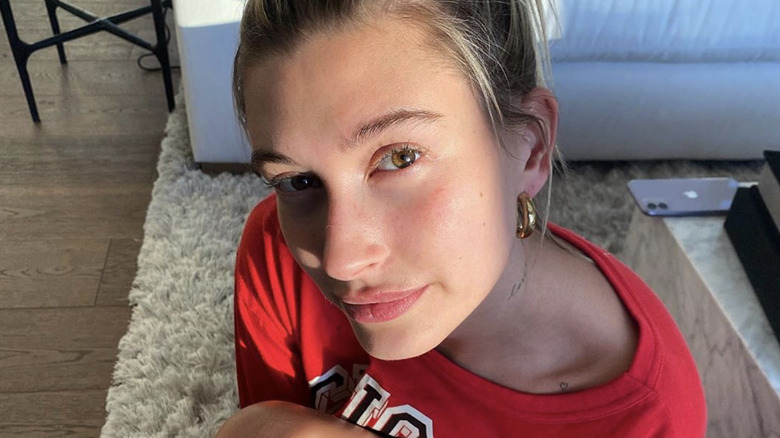 Hailey Bieber, a celebrity waiting out quarantine in luxury