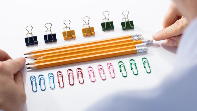 Compulsive pencil arrangement
