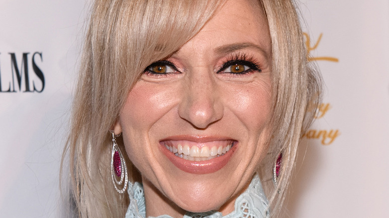 Debbie Gibson arriving at a benefit