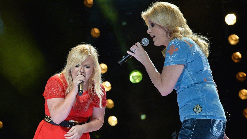 Trisha Yearwood and Kelly Clarkson
