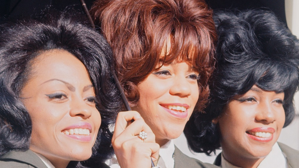 The Supremes, smiling