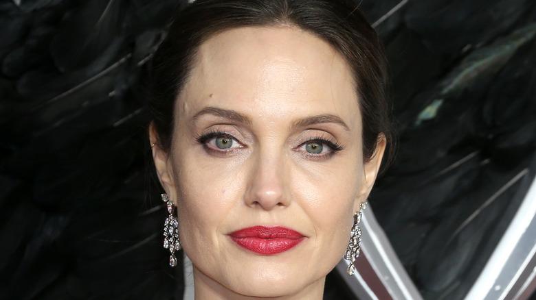 Angelina Jolie red lip