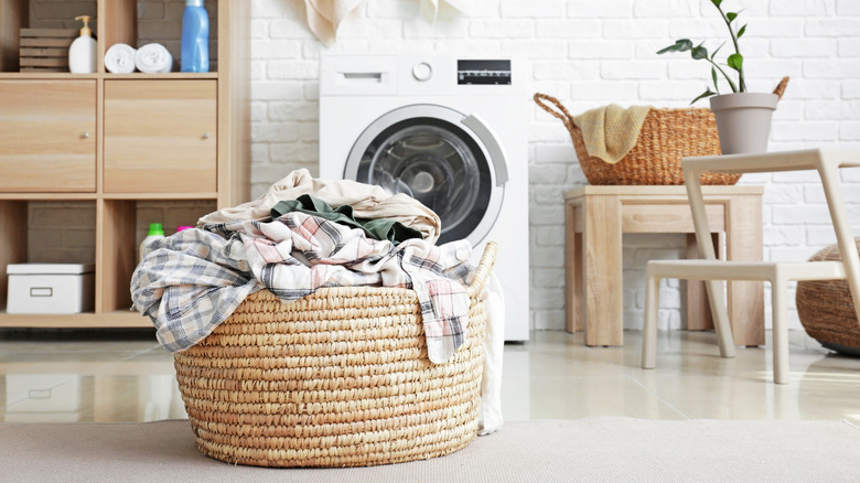 How to Sort Your Laundry Before Washing