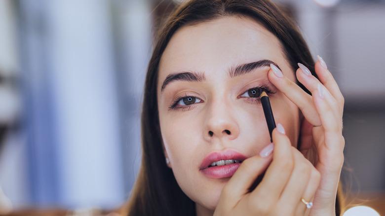 tightlining eyeliner yourself