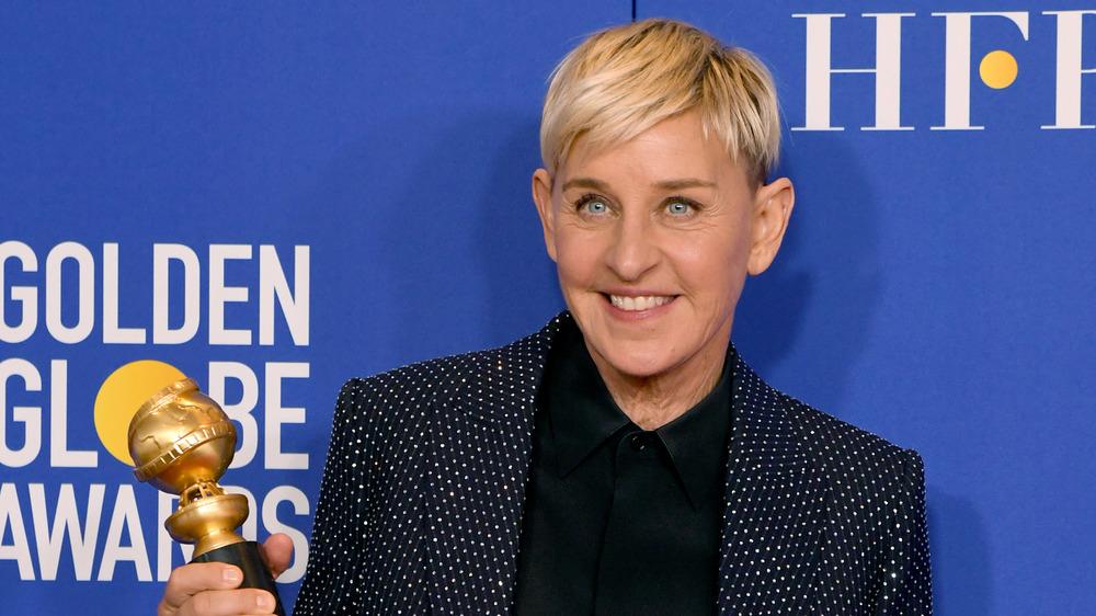Ellen DeGeneres holding Golden Globe Award