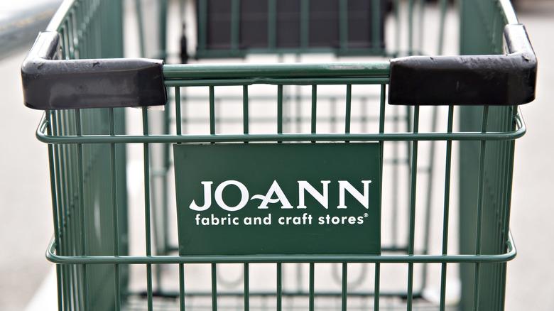 Jo-Ann store shopping cart