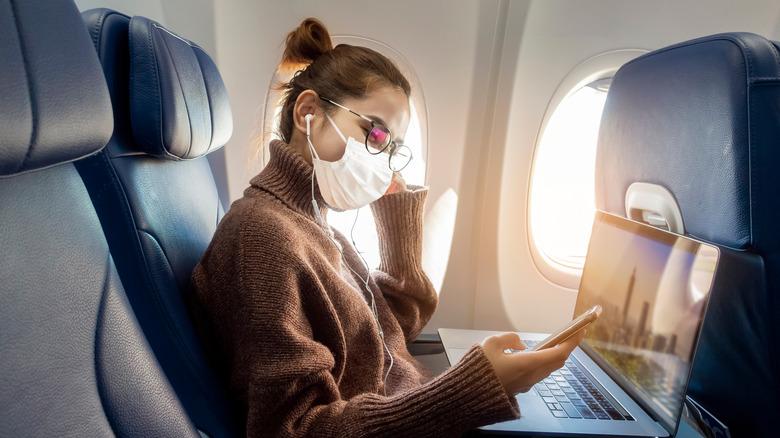 Woman traveling during the coronavirus pandemic