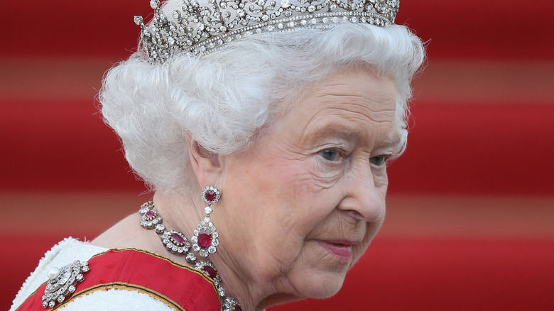 Queen Elizabeth at a state event