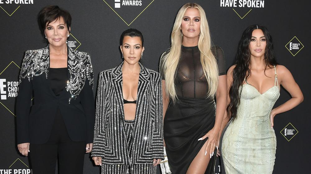 Kardashians pose on red carpet