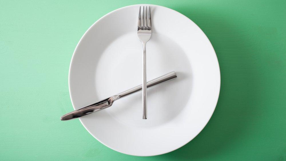 clock as a plate