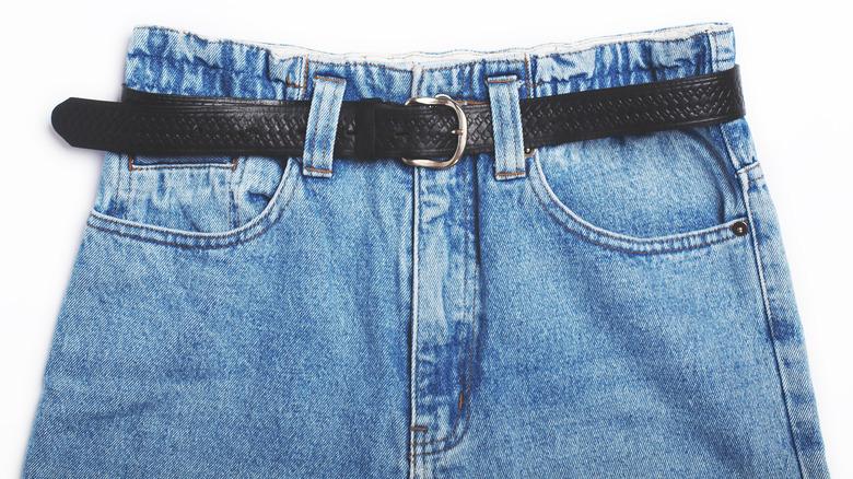 Vintage high-waisted mom jeans