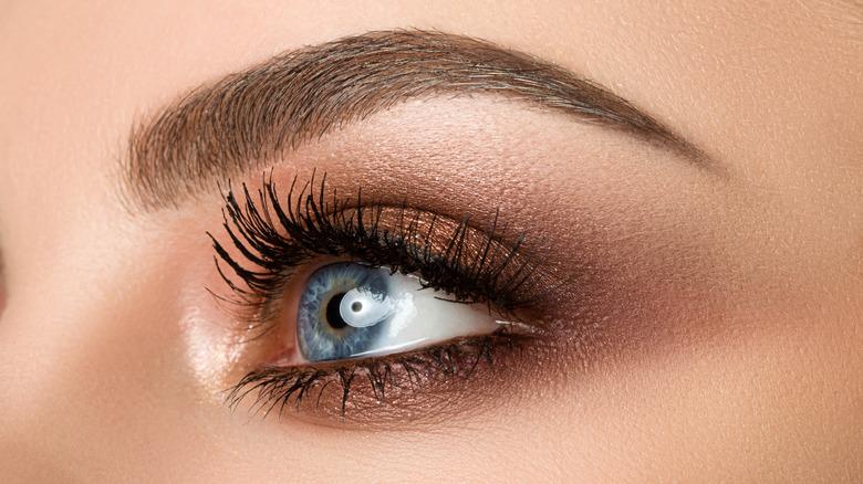 Woman with a bronze smokey eye