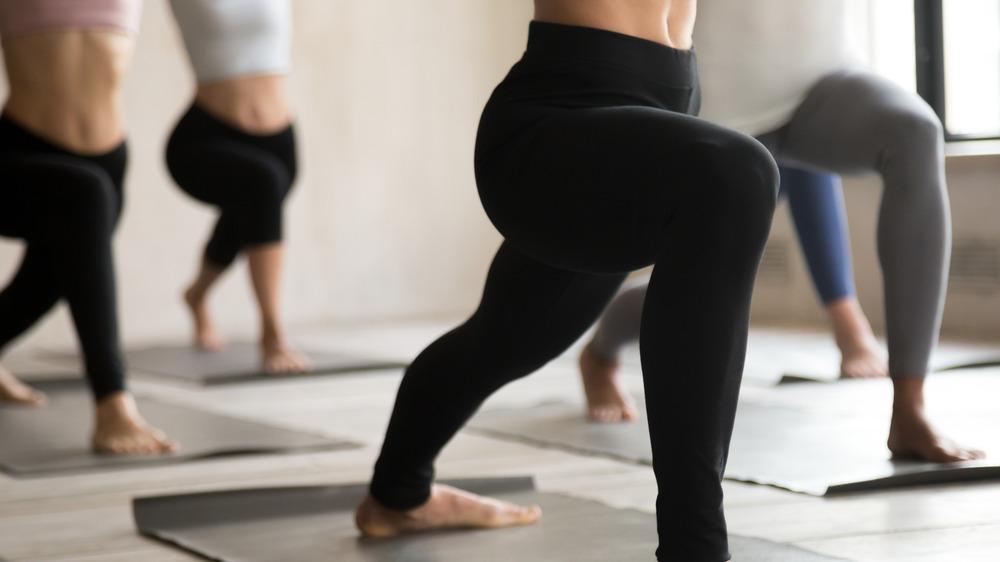yoga class, leggings
