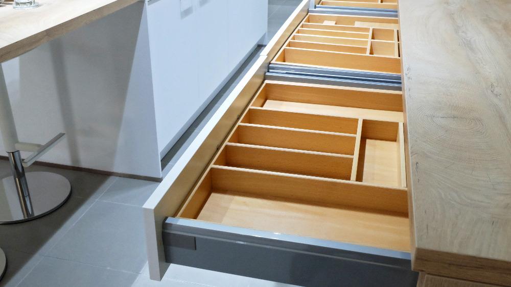 empty drawers