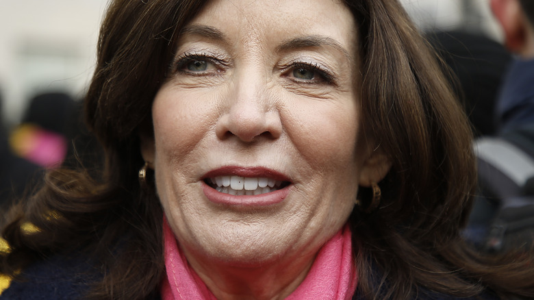 Kathy Hochul attends the 2020 Women's March