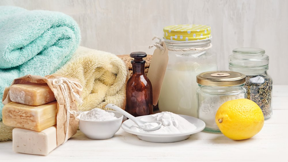 Baking soda, lemons, and other natural skin care ingredients