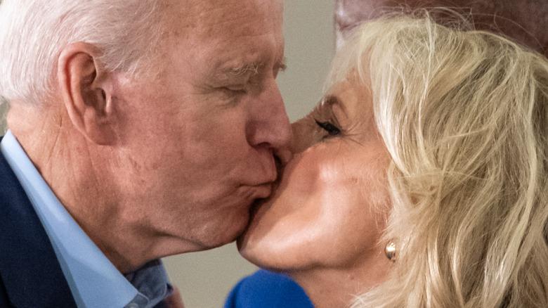 Joe and Jill Biden embrace 2020