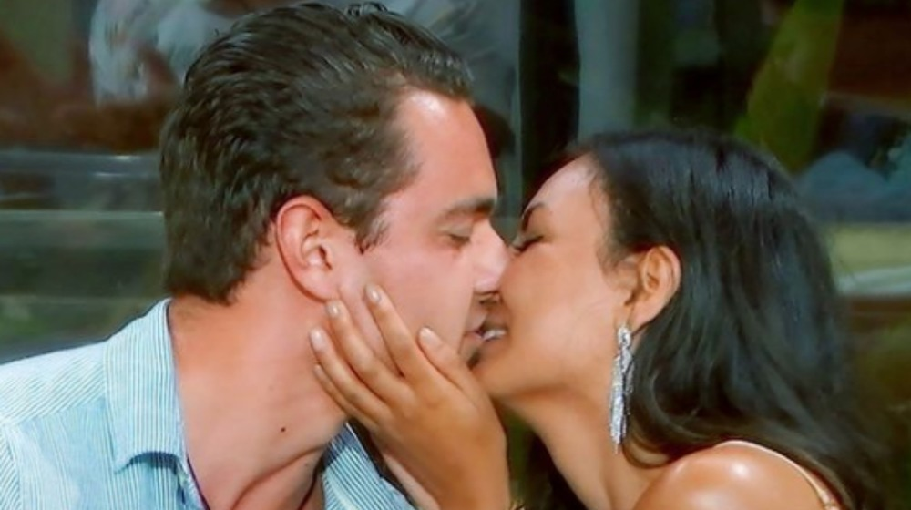 David and Kendall from Paradise Hotel kissing