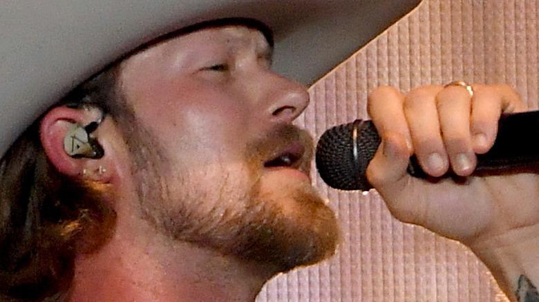 Brian Kelley performing