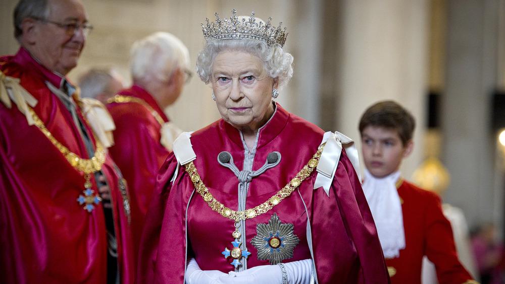 Queen Elizabeth in red robe