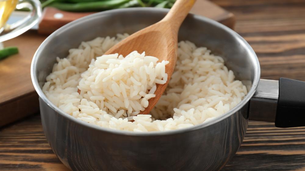 Pot of fluffy rice