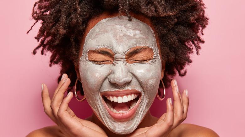 woman wearing clay mask