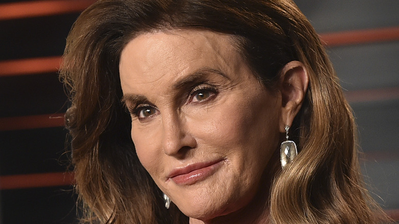 Caitlyn Jenner poses on the red carpet