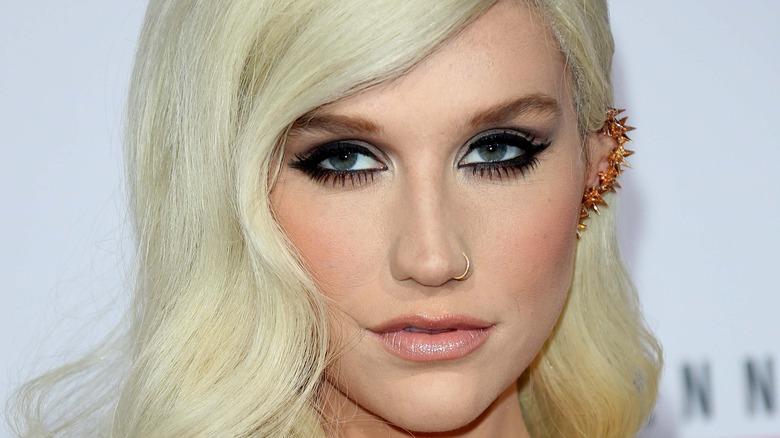 Kesha posing close up