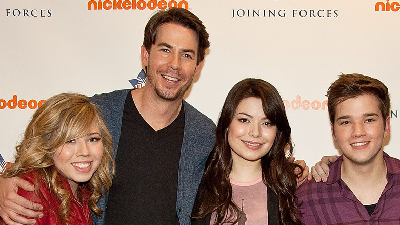 iCarly main cast smiling