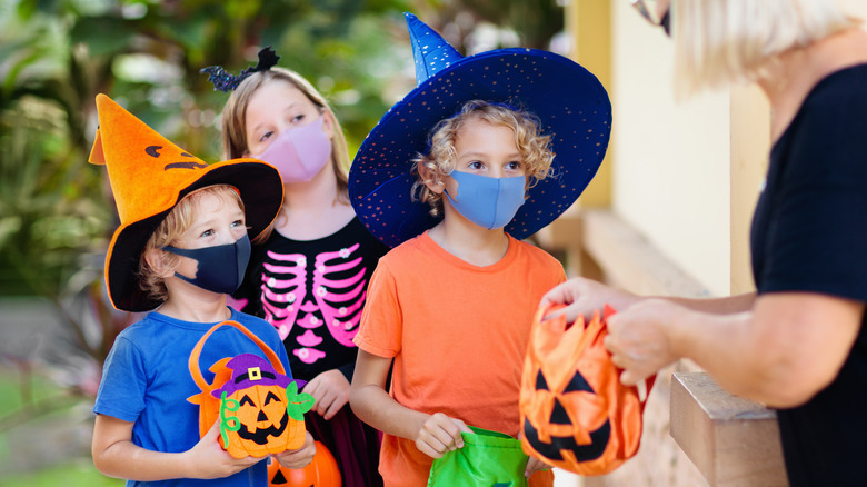 Kids trick-or-treating