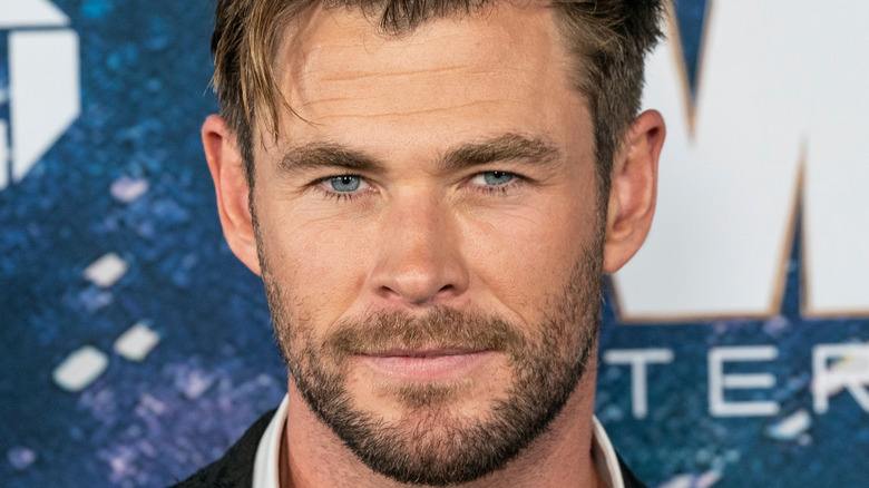 Away chris hemsworth who and date did home in Chris Hemsworth