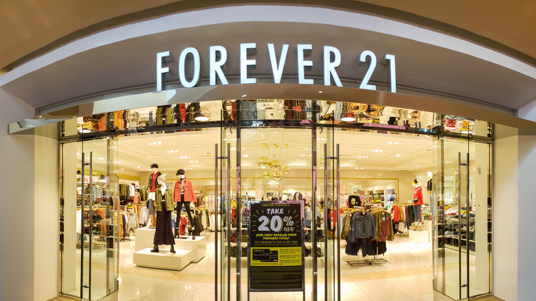 Forever 21 store front