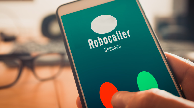 Phone identifies a robocaller