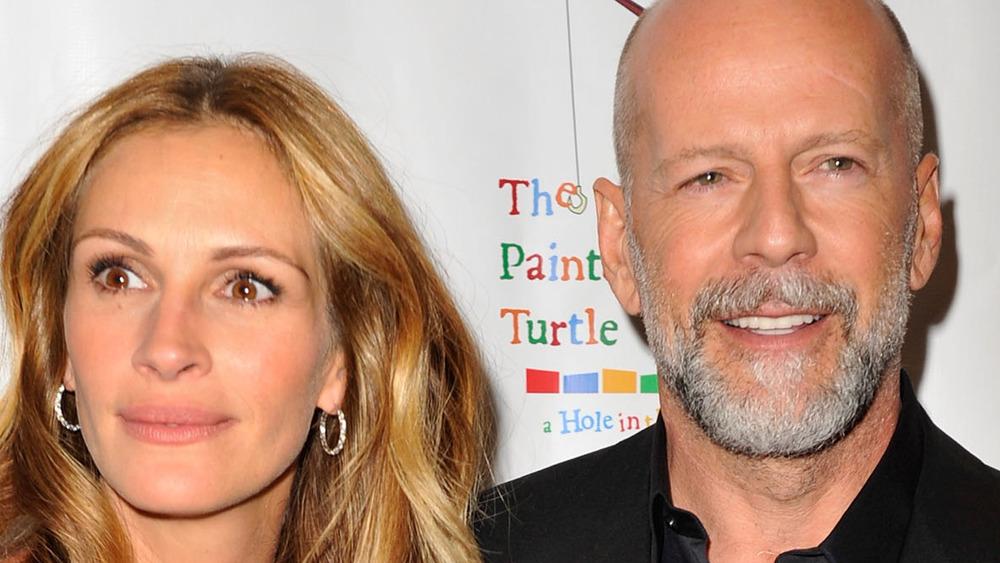 Julia Roberts and Bruce Willis smiling