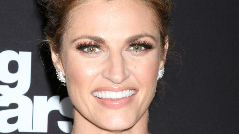 Erin Andrews poses on the red carpet