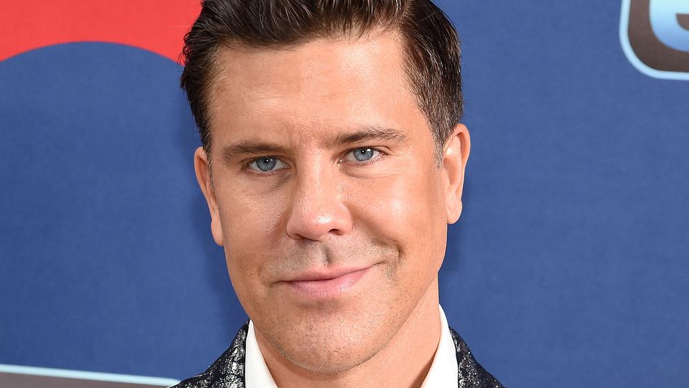 Fredrik Eklund smiling on red carpet