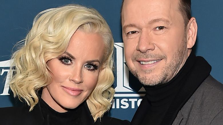Jenny McCarthy and Donnie Wahlberg smile