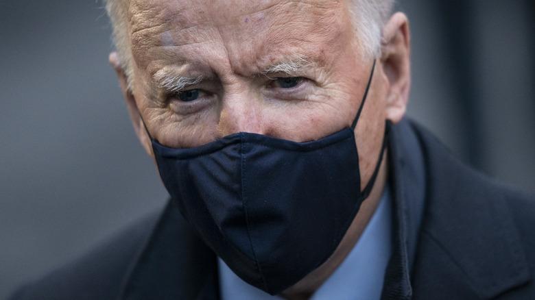 Joe Biden wearing mask
