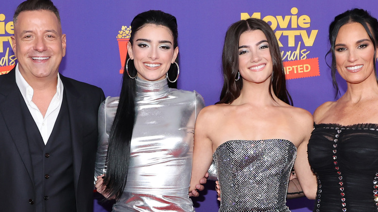 The D'Amelio family on the red carpet