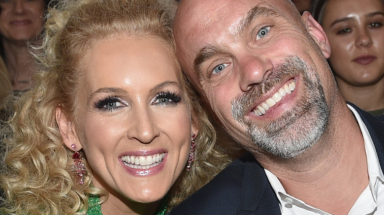 Kimberly Schlapman and husband Stephen smiling