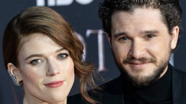 """Kit Harington and Rose Leslie on a """"Game of Thrones"""" red carpet"""