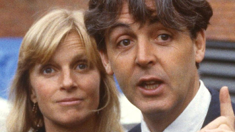Paul and Linda McCartney pose for a photo.